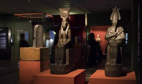 impressionen-aus-der-ausstellung-osiris-im-museum-rietberg